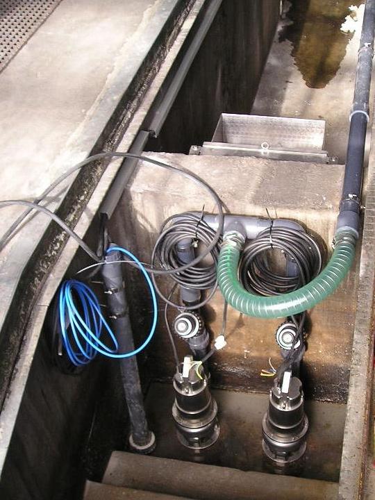 Umnutzung einer bestehenden LKW Montagegrube als Schlammfang mit Abtrennung eines Pumpschachtes